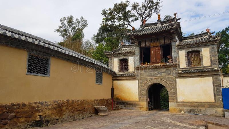 Un village mur? traditionnel dans Yunnan, Chine photographie stock