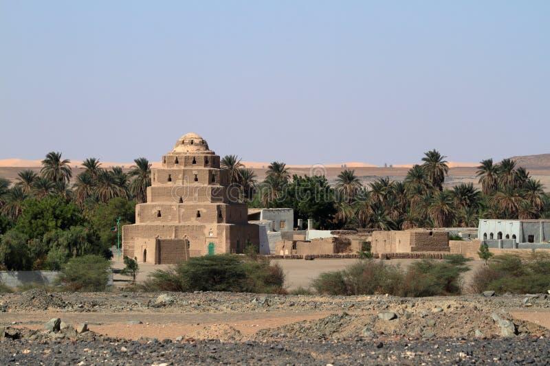 Un villaggio nel Sahara sudanese fotografia stock