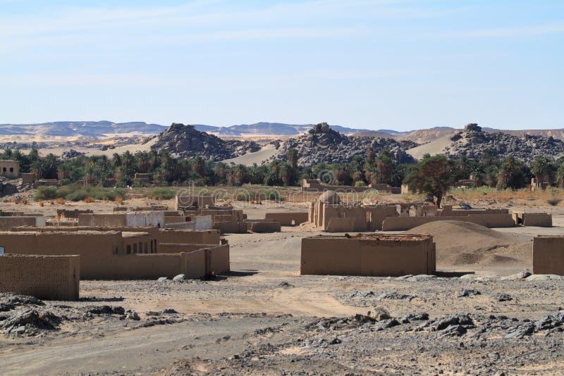 Un villaggio nel Sahara sudanese fotografie stock libere da diritti