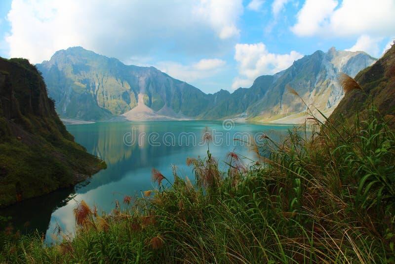Un volcán activo Pinatubo, Filipinas foto de archivo