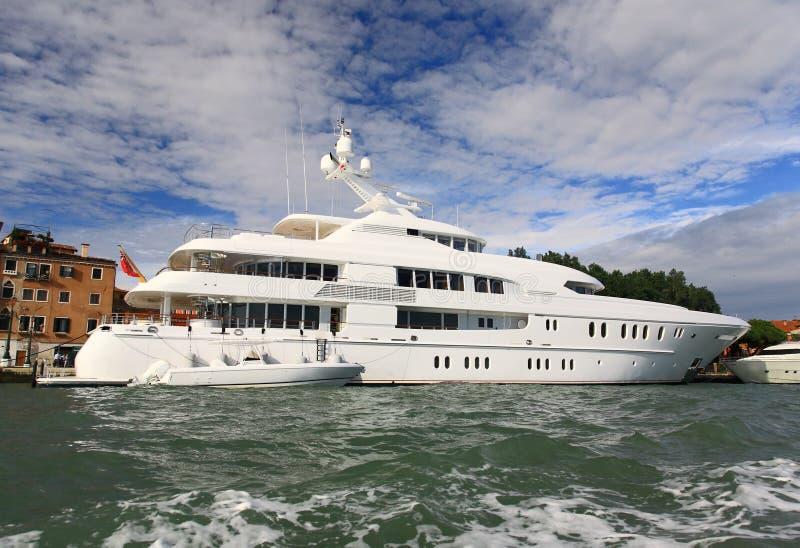 Un yacht di lusso immagini stock libere da diritti