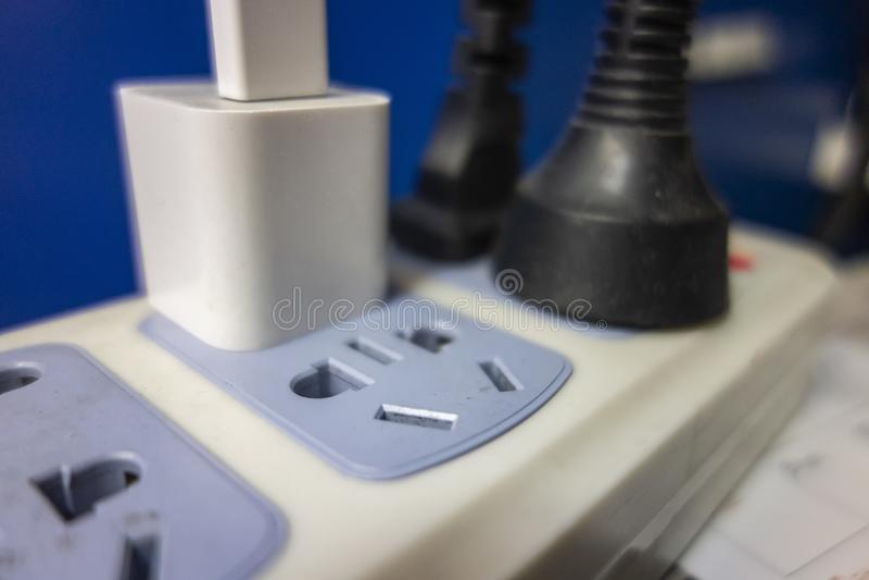 Un z?calo es lleno de aparatos electrodom?sticos fotos de archivo