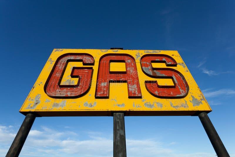Una antigüedad, muestra del gas de la vendimia en la ruta 66 fotos de archivo