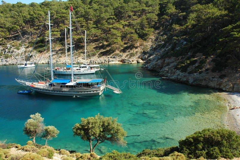 Una bahía aislada en el turco mediterráneo fotos de archivo