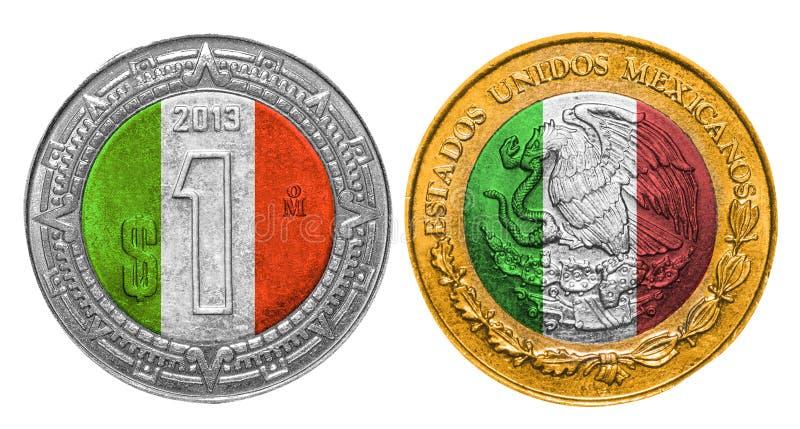 Una bandera del Peso mexicano en una moneda fotografía de archivo