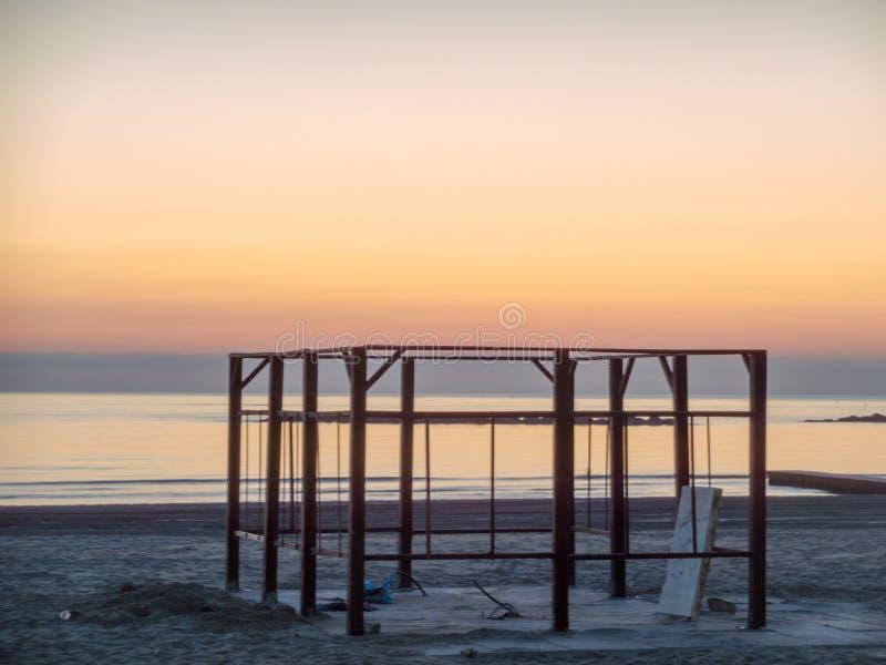 Una bella alba sul mare immagine stock libera da diritti