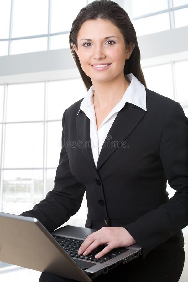 Una bella donna di affari fotografia stock