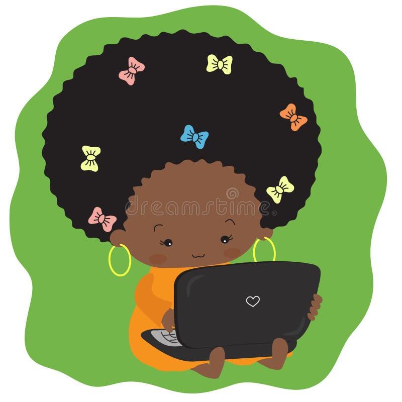 Una bella ragazza dalla carnagione scura è sedentesi e scrivente su un computer portatile illustrazione di stock