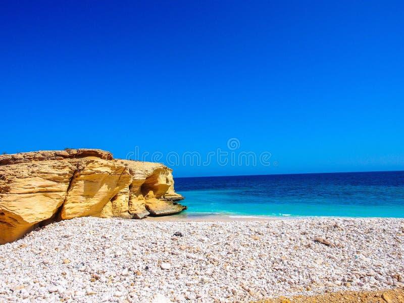 Una bella spiaggia nell'Oman fotografia stock
