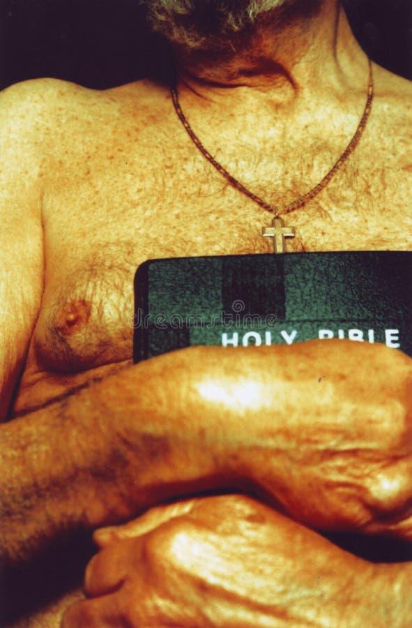 Una biblia foto de archivo libre de regalías