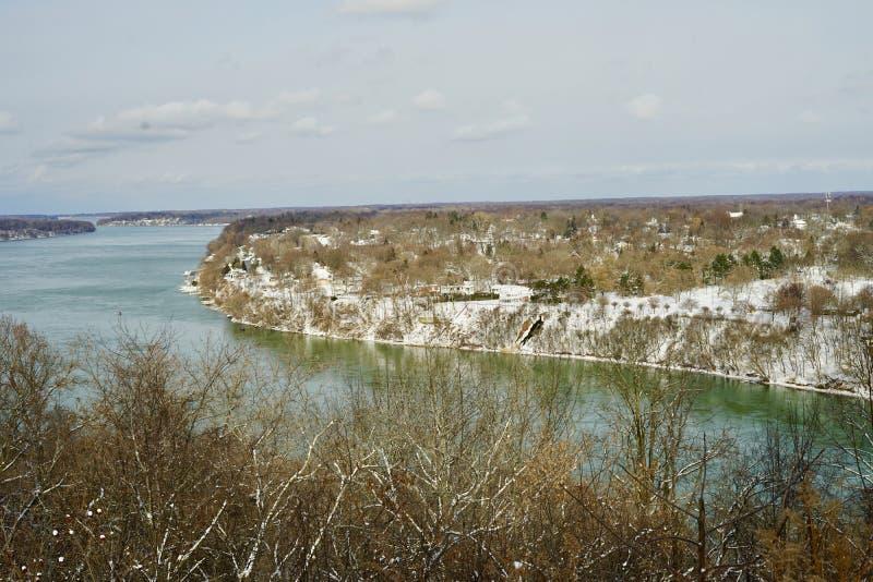 Una bonita vista del río Niágara del lado canadiense imágenes de archivo libres de regalías