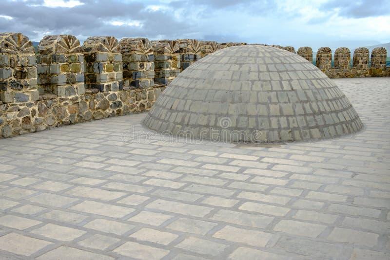 Una cúpula de piedra en el techo foto de archivo