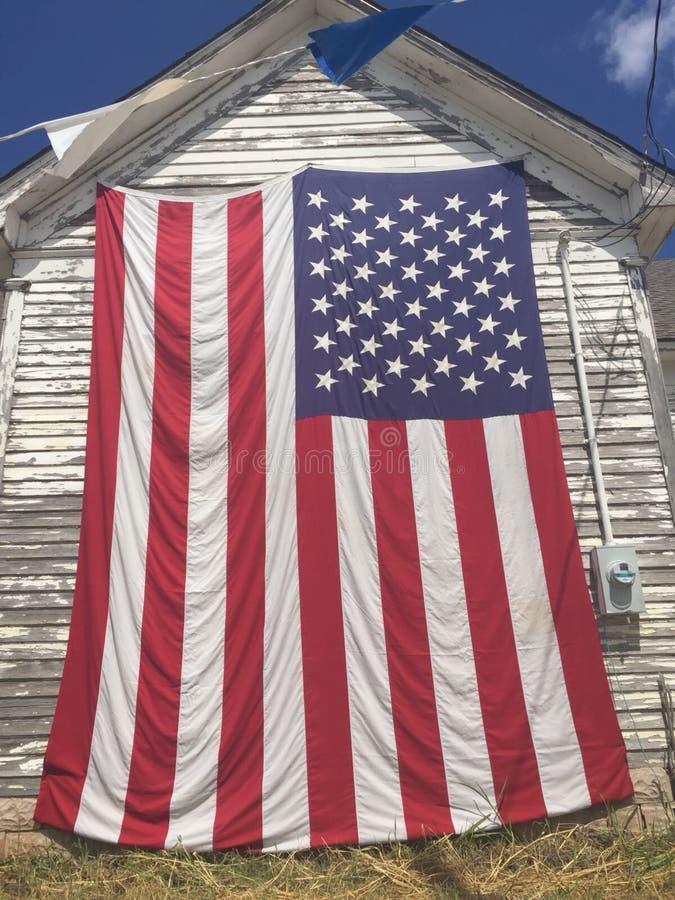 Una caja de los E S La bandera está viendo la ejecución en una pared el 30 de julio de 2018 en West Palm Beach, la Florida, los E imagen de archivo libre de regalías