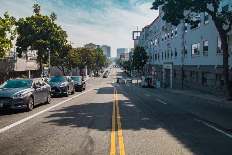 Una calle en el ambiente urbano fotografía de archivo libre de regalías