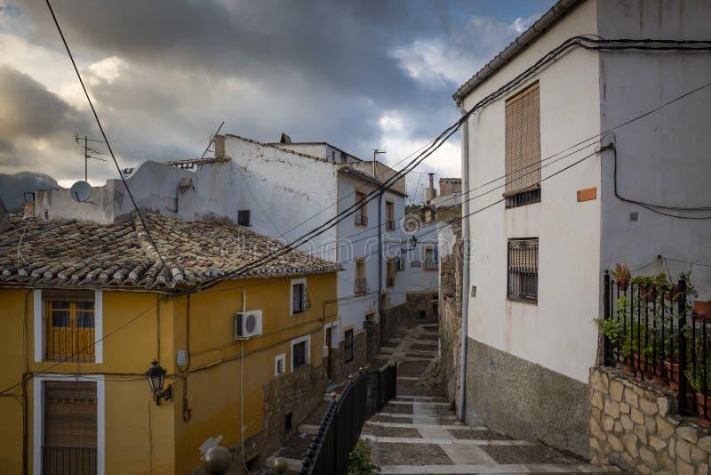 Una calle en la ciudad santa de Caravaca de la Cruz foto de archivo