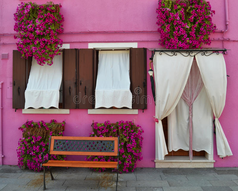 Una Camera rosa adorabile a Venezia fotografie stock