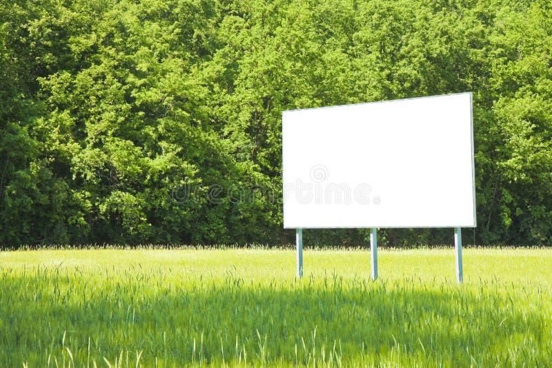 Una cartelera de publicidad en blanco imagen de archivo libre de regalías