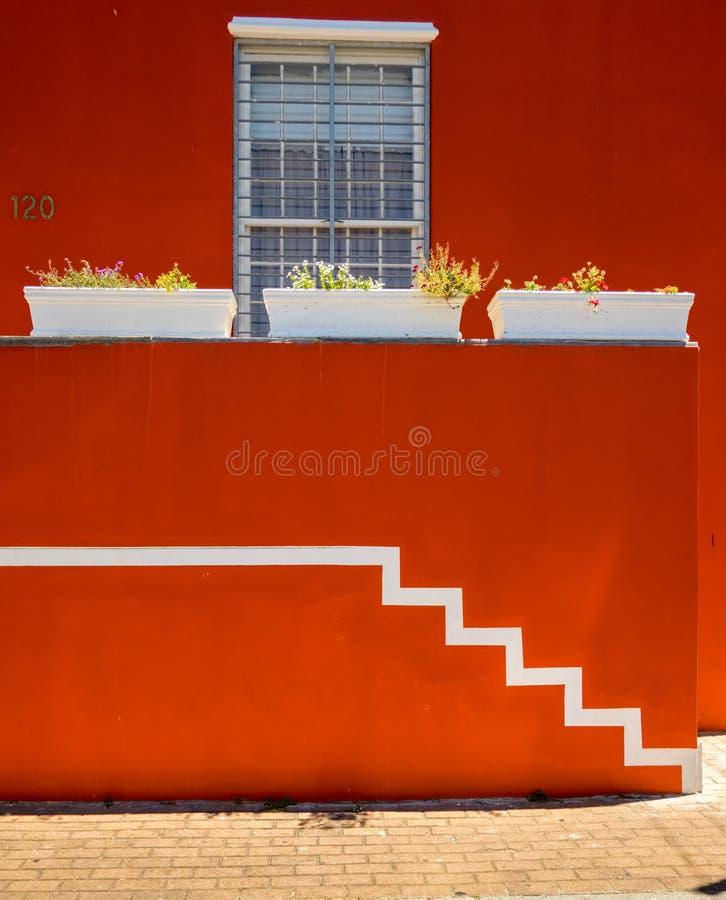 Una casa colorida en Bo Kaap, el barrio malayo de Ciudad del Cabo, Sudáfrica imagen de archivo