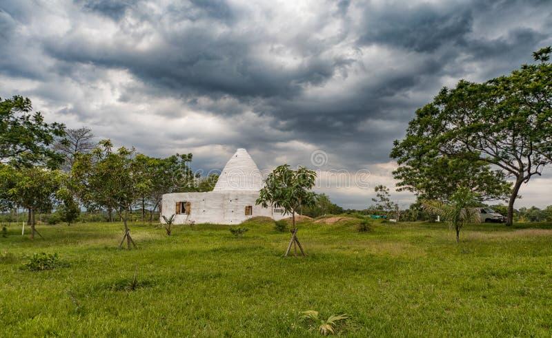 Una casa del fango nella progettazione rotonda, poichè è sempre più di vedere nel Paraguay fotografia stock libera da diritti