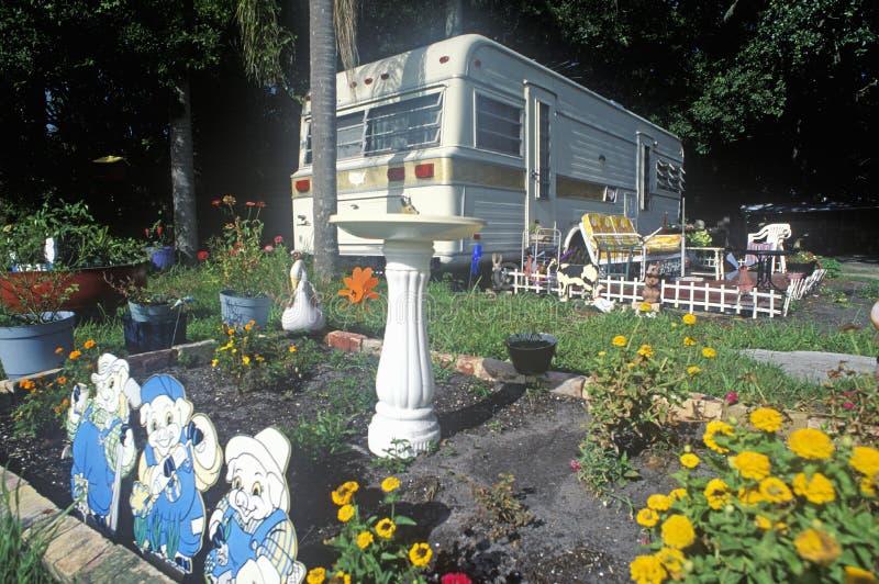 Una casa del rimorchio vicino a Fort Myers, Florida fotografia stock