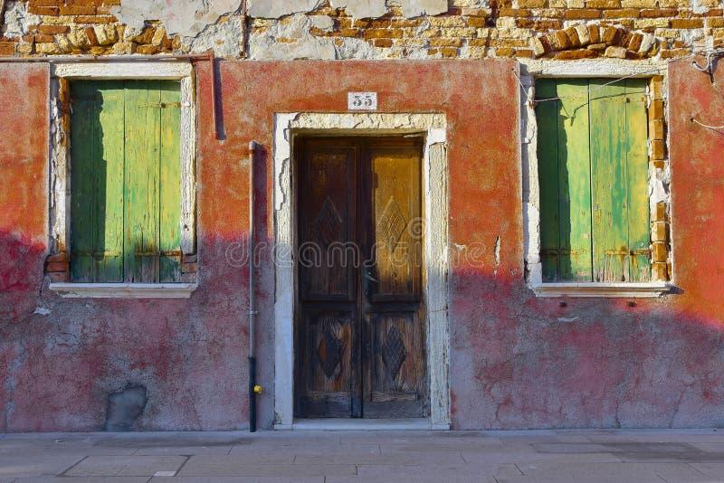 Una casa rústica en Burano imagenes de archivo