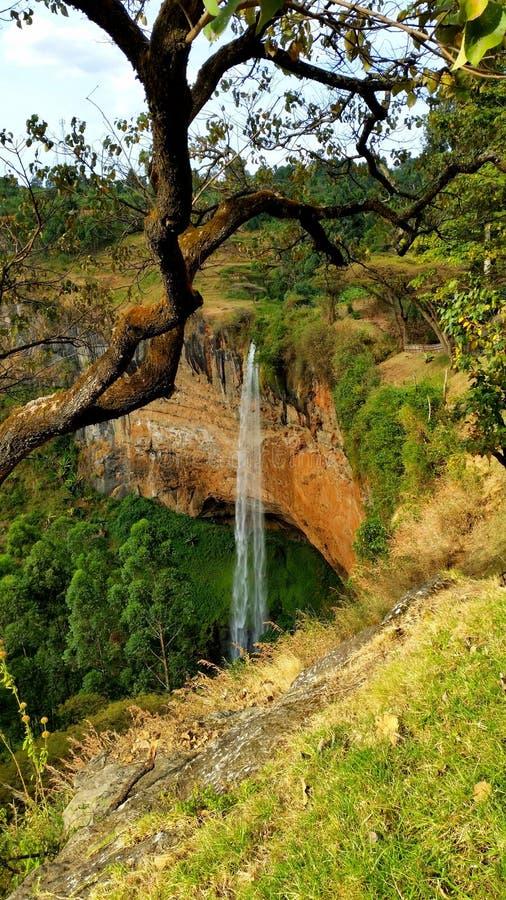 Una cascada en Uganda imagen de archivo