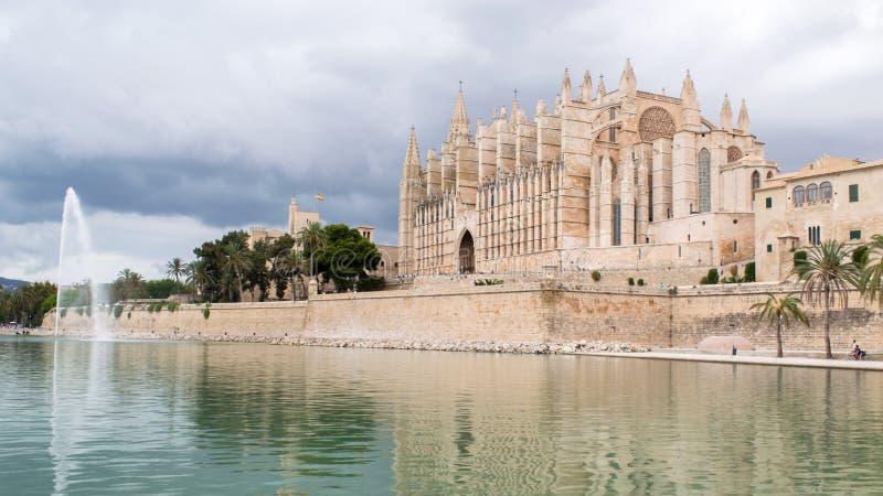 Una cattedrale in Spagna immagini stock