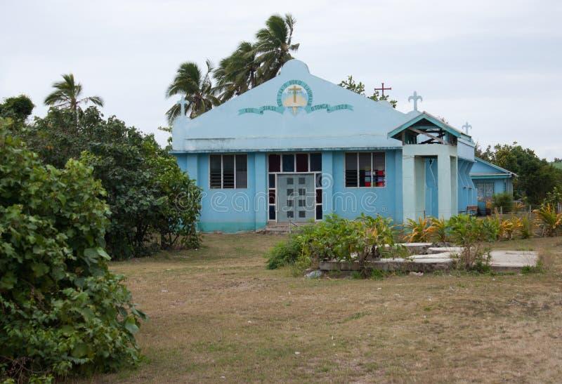 Una chiesa blu in Haapai nel Tonga immagini stock