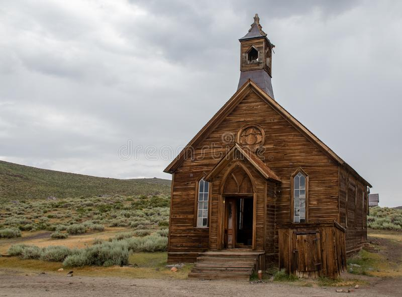 Una chiesa in Bodie, California fotografia stock
