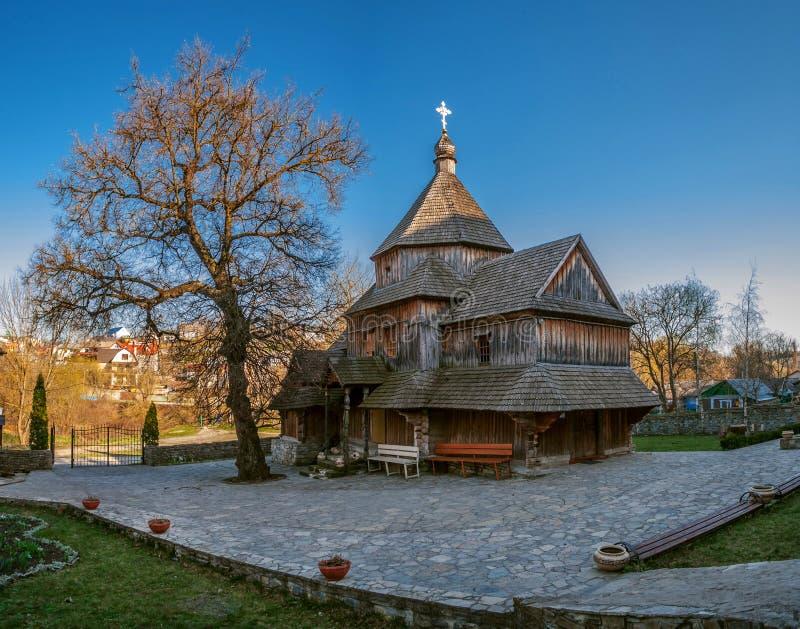 Una chiesa ortodossa di legno antica in Kamianets-Podilskyi, Wester fotografie stock libere da diritti