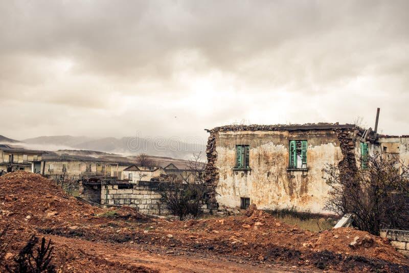 Una ciudad abandonada en Ptolemaida Grecia fotografía de archivo