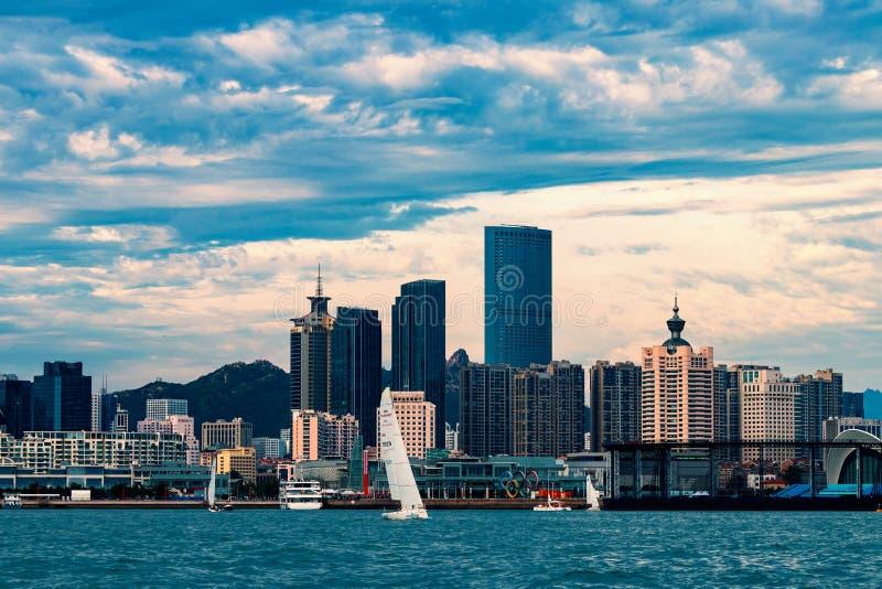 Una ciudad costera, Qingdao, China imágenes de archivo libres de regalías