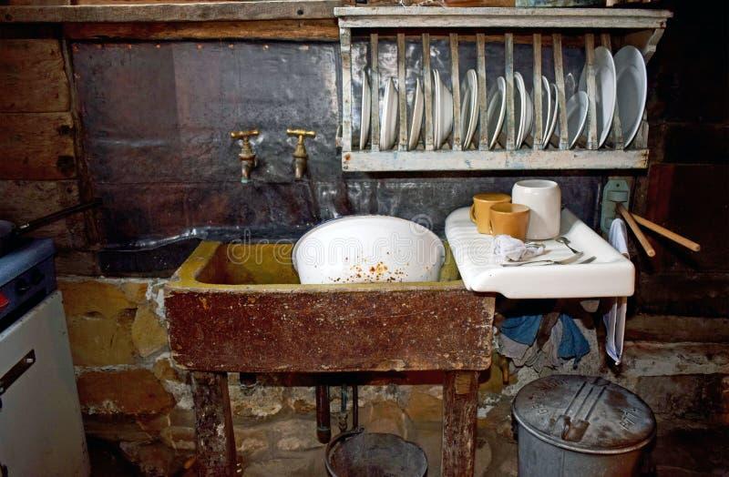 Una cocina vieja de la moda fotografía de archivo libre de regalías