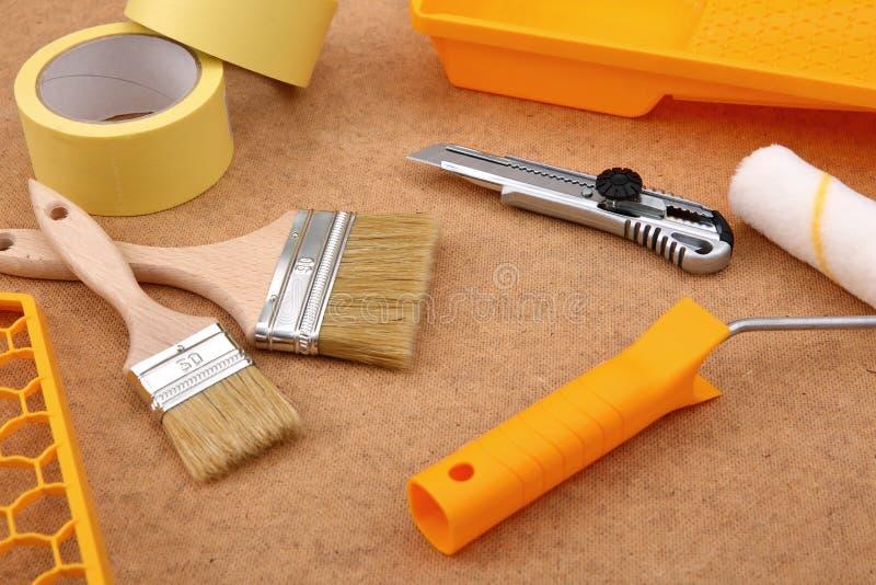 Una colección de herramientas de la pintura de manera operacional para el aficionado y el profesional fotos de archivo
