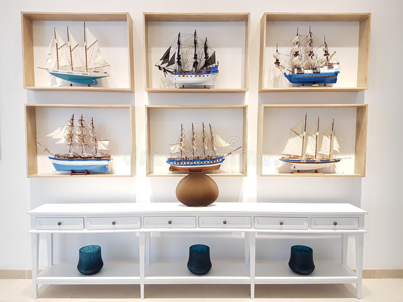 Una collezione di nave di legno della decorazione fotografia stock libera da diritti