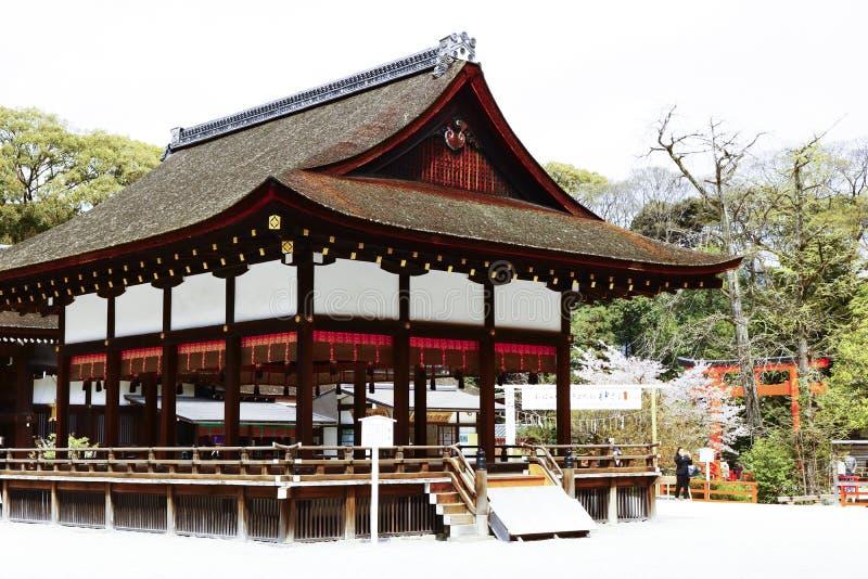 Una costruzione di legno nel santuario di Shimogamo immagini stock libere da diritti