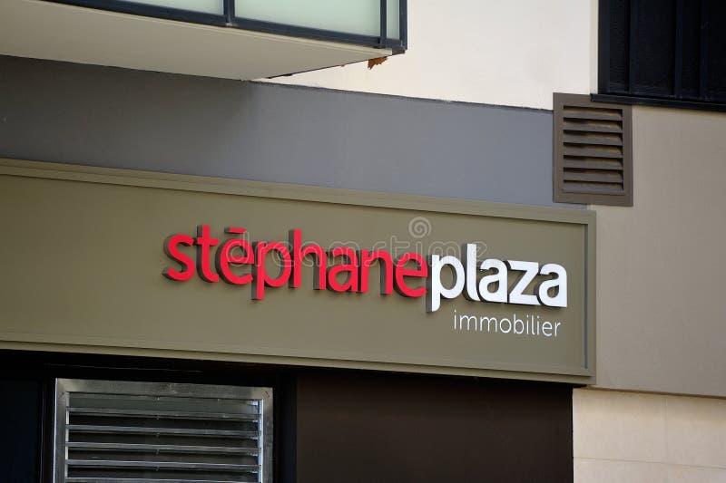 Una de las agencias inmobiliarias reales Stephane Plaza imágenes de archivo libres de regalías