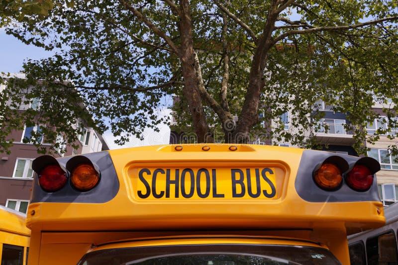 Una delle auto più caratterizzate al mondo scuolabus americano immagini stock