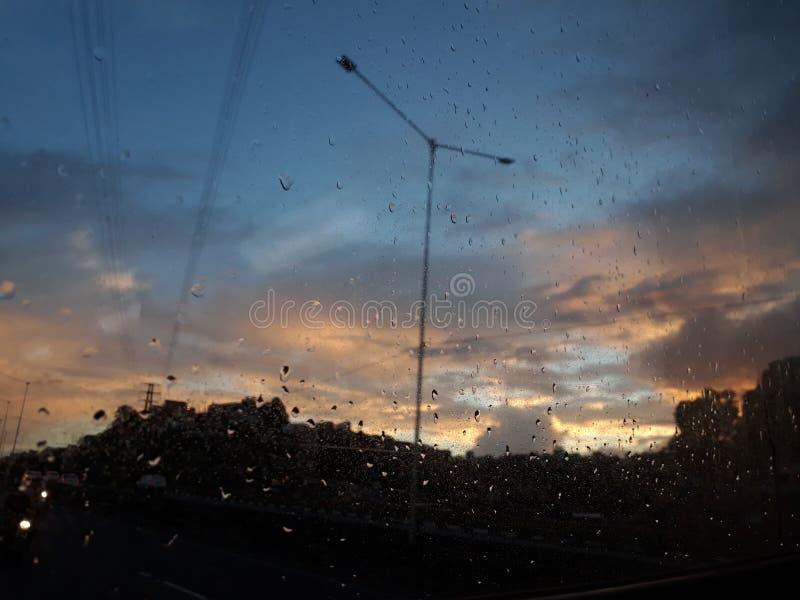Una di migliori ore per vedere il cielo è all'alba! immagini stock