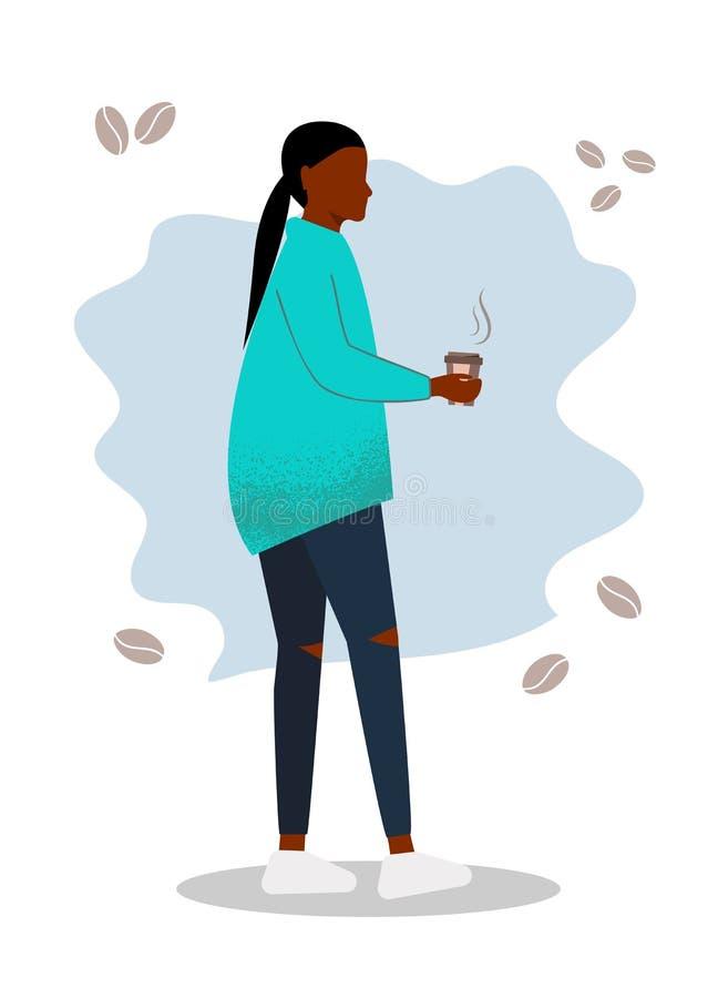 Una donna afro-americana felice che beve caffè aroma caldo Una ragazza sorridente con una tazza di caffè a vapore Donna illustrazione vettoriale