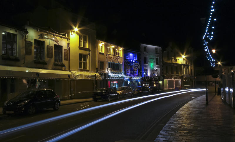 Una escena de la noche en el Quay, Brixham imagen de archivo