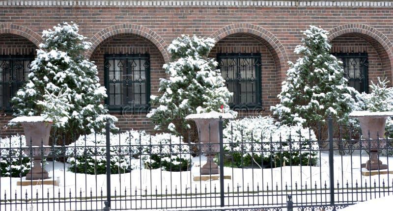 Una escena urbana del invierno fotografía de archivo