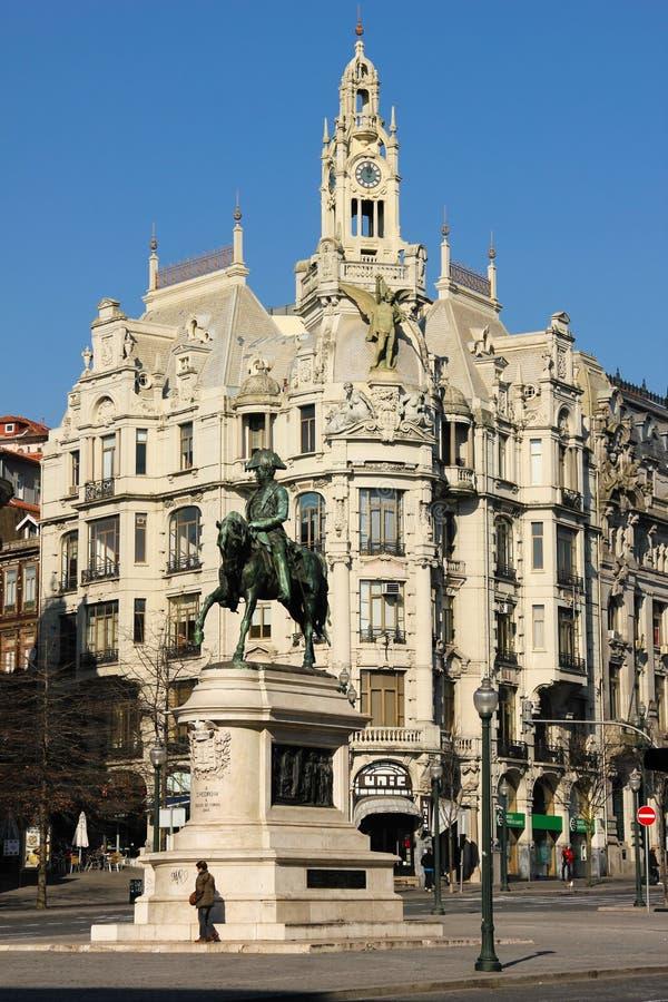 Una esquina en el cuadrado de Liberdade. Oporto. Portugal foto de archivo