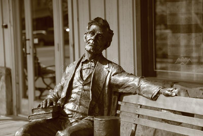 Una estatua de bronce de Abraham Lincoln foto de archivo