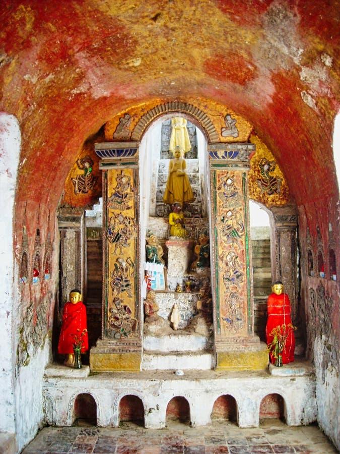 una estatua de Buda en Vietnam imagen de archivo