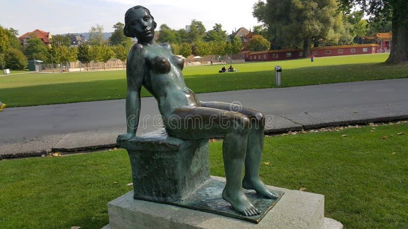 Una estatua de la mujer foto de archivo libre de regalías