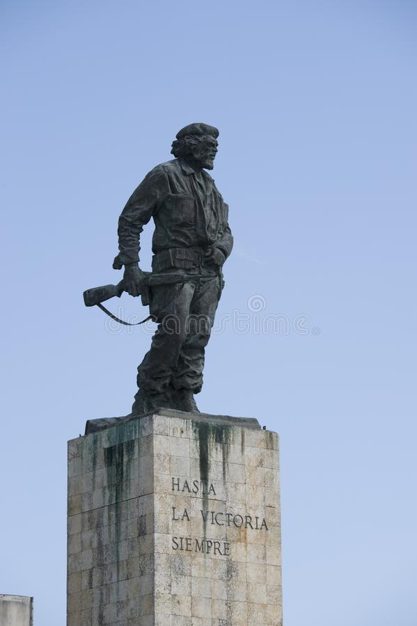 Una estatua del héroe revolucionario Ernesto Guevara en Cuba imágenes de archivo libres de regalías