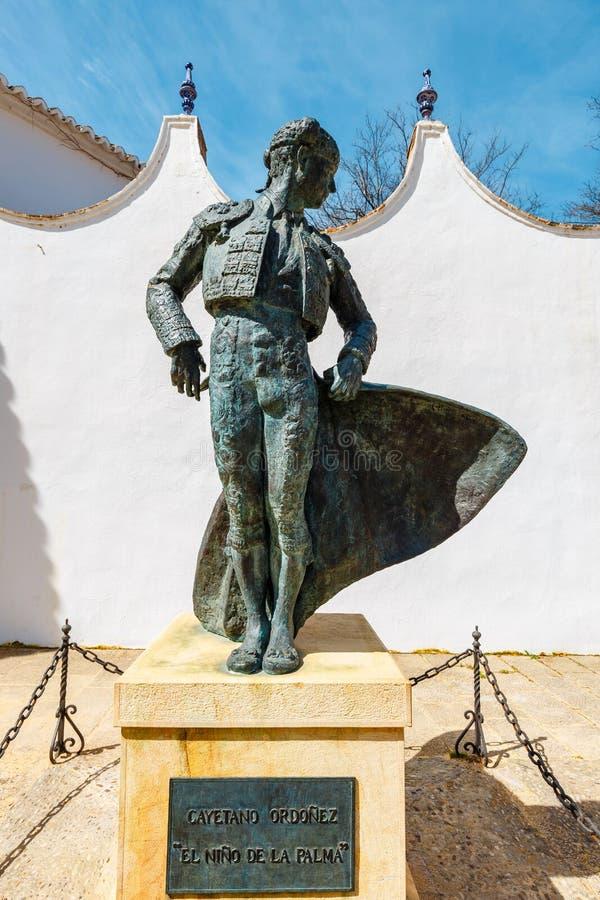 Una estatua en la entrada a la plaza de Toros en Ronda, Espa?a imagen de archivo libre de regalías