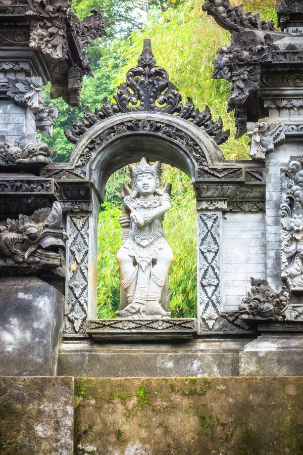 una estatua hindú en Bali Indonesia foto de archivo