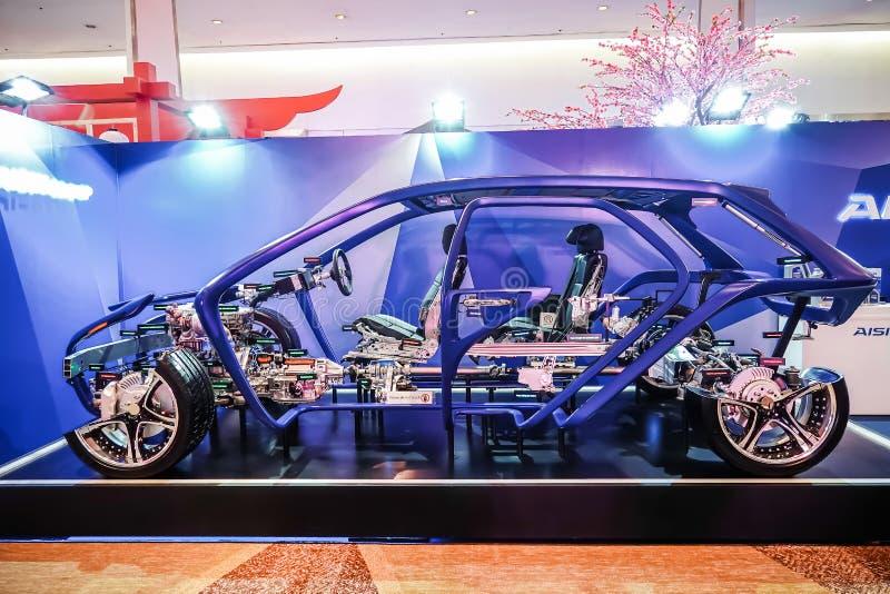 Una estructura del vehículo está en la exhibición en la cabina del motor de AISIN, corte transversal del coche moderno fotos de archivo libres de regalías